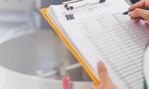 Como fazer controle de estoque em Laboratórios de Análises Clínicas?
