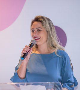 Renata é formada em Medicina pela Universidade de Marília – SP (UNIMAR) e possui residência médica em Anatomia Patológica pela Fundação ABC em Santo André – SP, com ênfase em Patologia Cirúrgica.